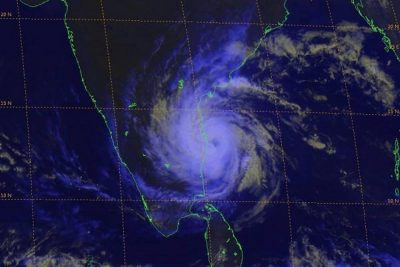 Cyclone Vardah makes landfall in India with powerful wind, heavy rain