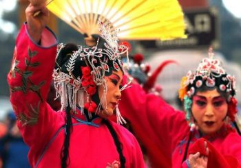 Chinese New Year 2017 kicks off with fireworks, parades