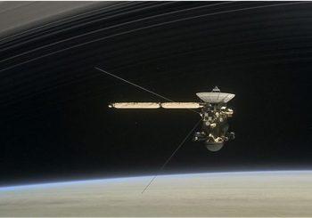 Nasa waits on Cassini radio contact from Saturn