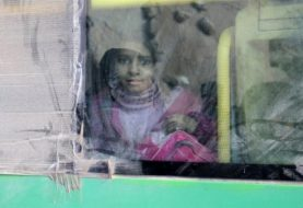 Evacuation of Syrian rebels starts in Barzeh