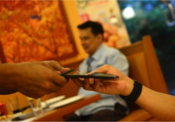 6 Ways to Get Amazing Service at a Restaurant Every Time You Dine Out