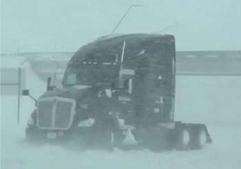 Spring snowstorm blankets west Kansas, shuts down highway