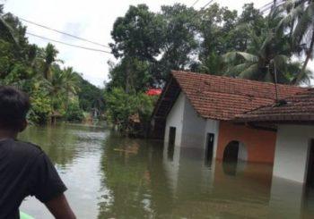 Sri Lanka floods: Residents afraid as more rain forecast