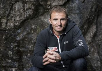 Swiss climber Ueli Steck dies on Mount Everest