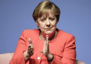 Merkel paves way for gay marriage vote