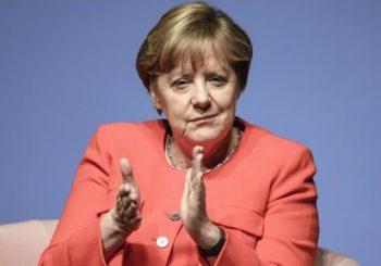 Merkel paves way for gay marriage vote