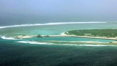 US warns Beijing on South China Sea islands