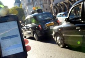Uber to appeal against English tests for drivers