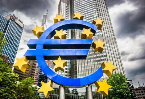 European Central Bank leaves interest rates alone