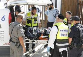 Israelis injured in gun attack near Jerusalem holy site