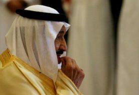 Saudi columnist suspended for comparing king to God
