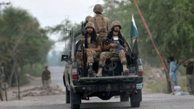 Pakistan launches offensive against IS near Afghan border