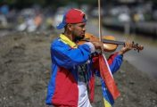 Venezuelan violinist Wuilly Arteaga hurt in protest