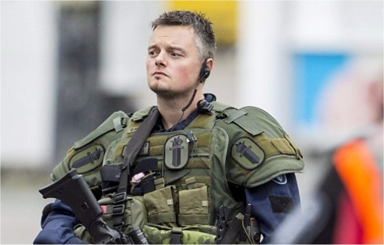 Finland killings: Knifeman 'targeted women in Turku terror attack'