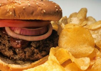 High-cal foods may raise cancer risk in women