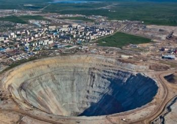 Russia: Eight missing in flooded diamond mine
