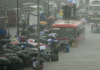 India floods: Toddlers killed in Mumbai rains
