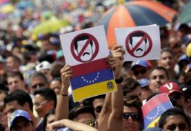 Venezuela arrests over 'uprising attempt'