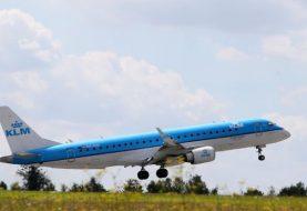 Falling jet wing panel damages car in Japan