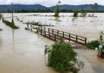 Floods, landslides in Vietnam kill 37 people, thousands evacuated
