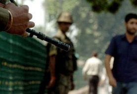 Suicide attackers hit Indian army camp in Srinagar - Kashmir